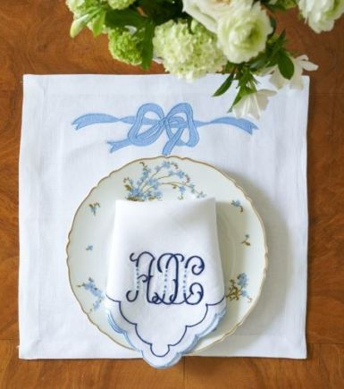 Sybil Bow Applique Lane Embroidery Dinner Napkin with Double Scallop